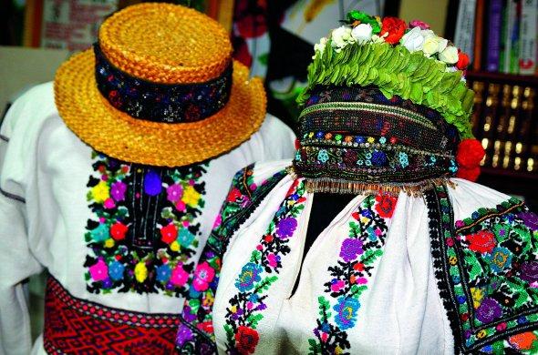 Цікаві факти про вишиванки із Тернопільщини – Терен 89b1c68630fff